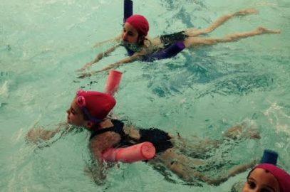 Nos séances de natation à la piscine de la Durantière.